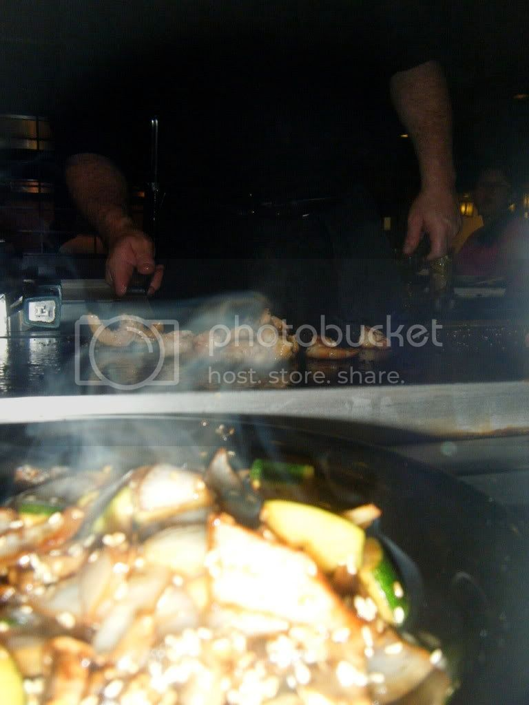 Food is served hot & fresh, grilled right in front of you